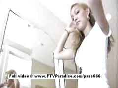 Super hawt teen blonde flashing